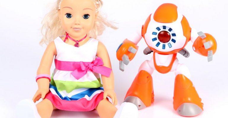 Cayla et le robot i-Que