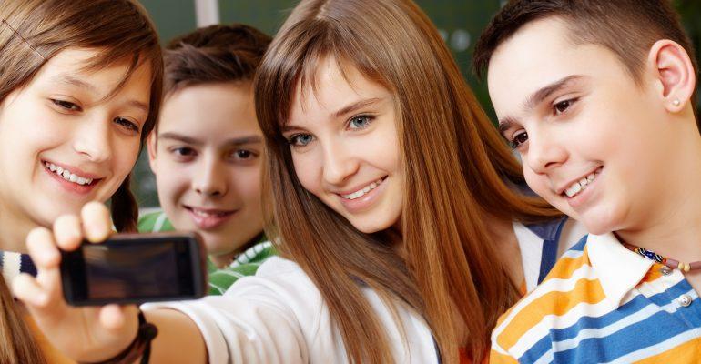 selfie adolescents