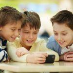 À quel âge devons-nous offrir un portable à notre enfant ?