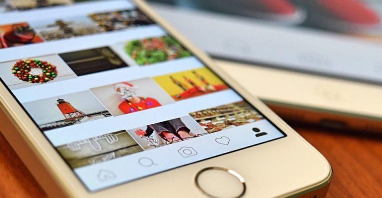 téléphone portable avec instagram