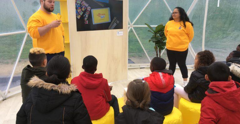 """e-Enfance participe au """"Safety Tour"""", une expérience numérique sereine en famille"""